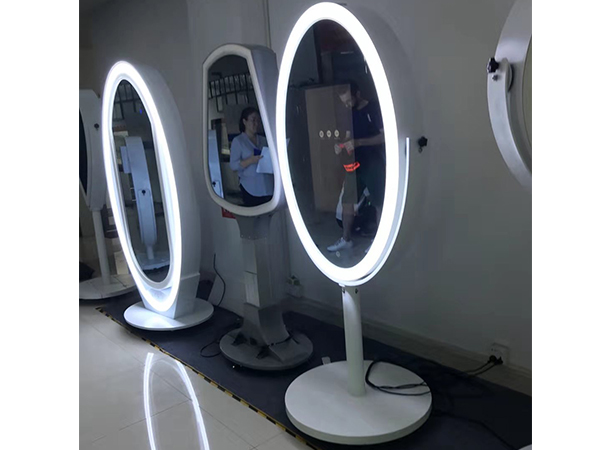 Mirror LCD advertising player with amazing design